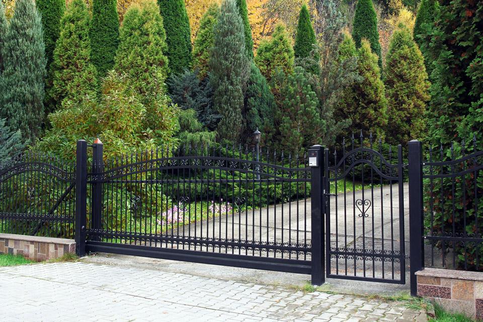 Aluminum Fence Design Ideas